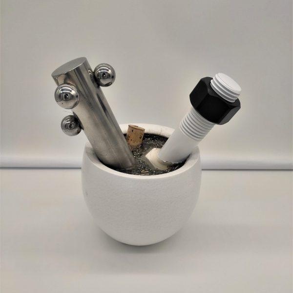 vaso decorativo con bullone biancoù