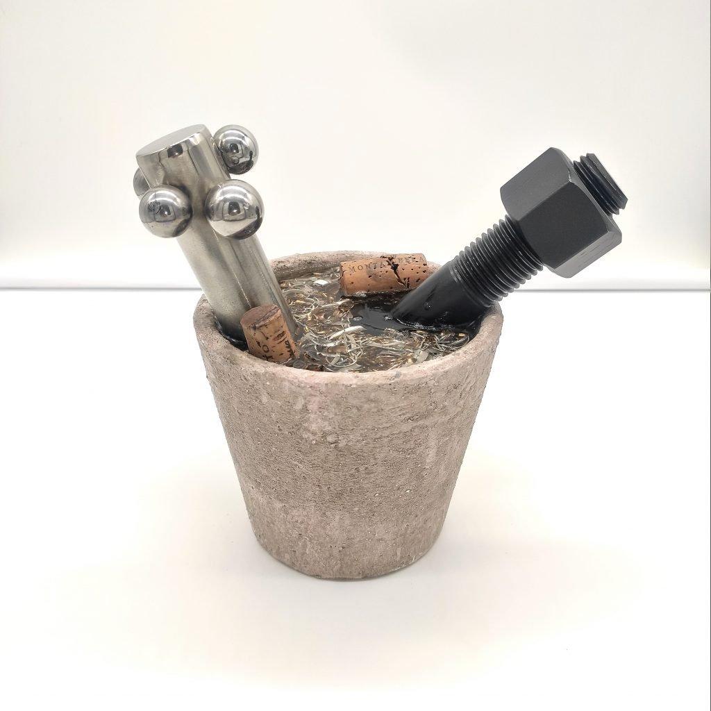 vaso decorativo con bullone nero